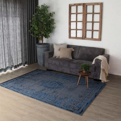 vintage vloerkleed pixel grey jeans sfeerbeeld