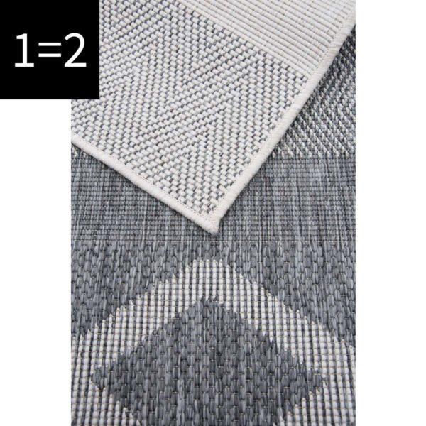 triangle close up silver 2