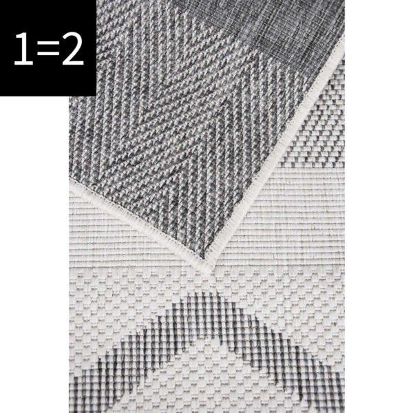 triangle close up silver