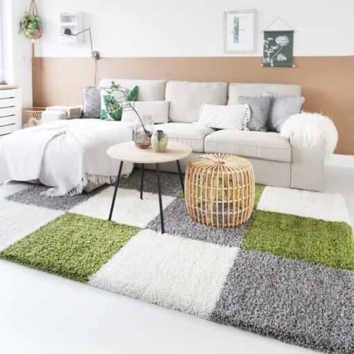 Hoogpolig vloerkleed groen blokken voorkant 2