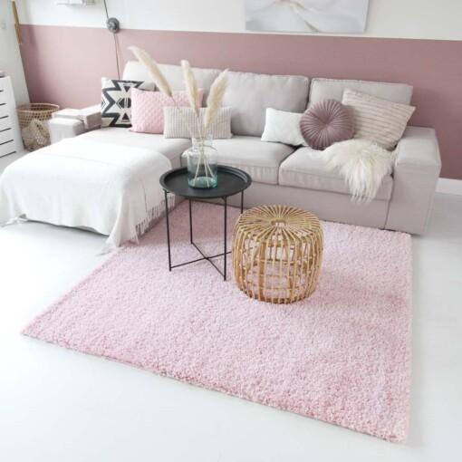 Hoogpolig vloerkleed roze vierkant voorkant