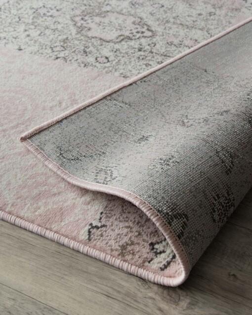 Patchwork vloerkleed factum roze close-up 2