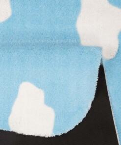 Vloerkleed wolken Niños - blauw - Wasbaar 30°C - close up