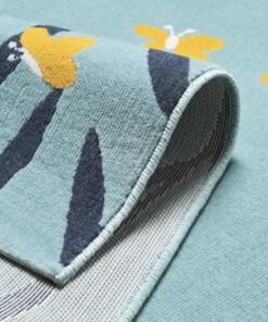 Kinderkamer vloerkleed Bunny Lottie - lichtblauw - close up